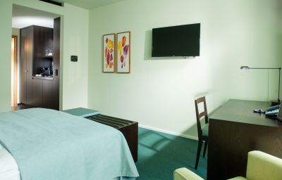 Clipper_City_Home_Apartments-Berlin-Double_room_standard-69463.jpg