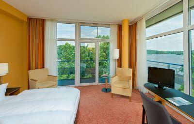 Chambre avec vue sur le lac avendi am Griebnitzsee