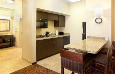 Hotel-Bar Hampton Inn - Suites El Paso-Airport