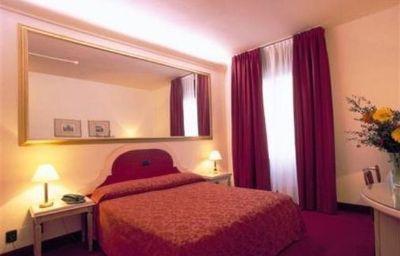 St_John-Sesto_San_Giovanni-Room-7-70215.jpg