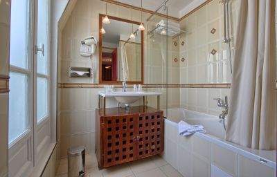Villa_Pantheon-Paris-Bathroom-3-70577.jpg
