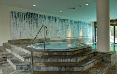 Info Esplanade Resort & Spa