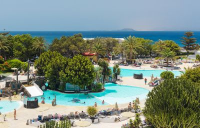 Swimming pool H10 Lanzarote Princess