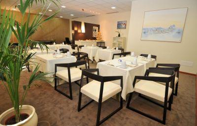 Crowne_Plaza_VENICE_EAST_-_QUARTO_DALTINO-Quarto_dAltino-Hotel_bar-2-71483.jpg