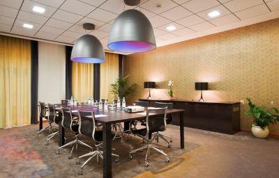Crowne_Plaza_VENICE_EAST_-_QUARTO_DALTINO-Quarto_dAltino-Conference_room-2-71483.jpg