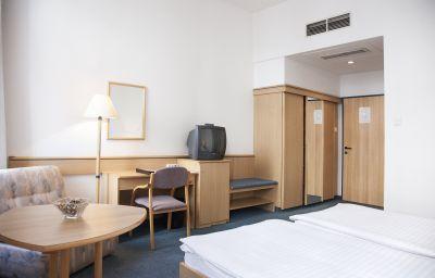 City_Hotel_Ring-Budapest-Double_room_standard-8-71598.jpg