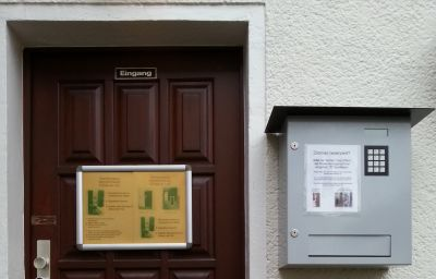 Ruthmann-Rheinblick-Oestrich-Winkel-Hotel_outdoor_area-1-71774.jpg