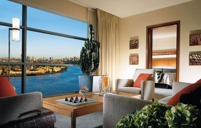 FOUR_SEASONS_AT_CANARY_WHARF-London-Suite-1-72012.jpg