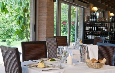 CDH_Hotel_Villa_Ducale-Parma-Restaurant-8-73913.jpg