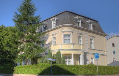 Seetel_Villa_Strandschloss-Heringsdorf-Exterior_view-74215.jpg