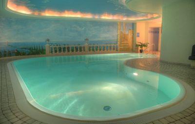 Piscine SEETELHOTEL Villa Strandschloss