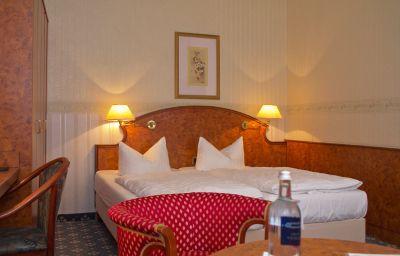 Seetel_Villa_Strandschloss-Heringsdorf-Double_room_standard-74215.jpg