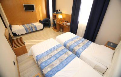 Triple room Domenichino