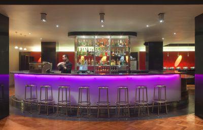 RADISSON_ON_FLAGSTAFF_GARDENS-Melbourne-Hotel_bar-74347.jpg