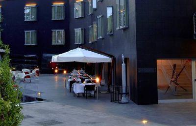 Vista esterna Black Hotel