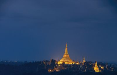Yangon_Sule_Shangri-la-Yangon-View-1-74755.jpg