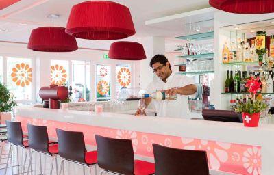 ibis_Zurich_Messe_Airport-Zurich-Hotel_bar-1-74868.jpg