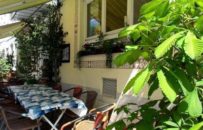 Zur_Post_Greenline-Schoenberg-Terrace-75017.jpg