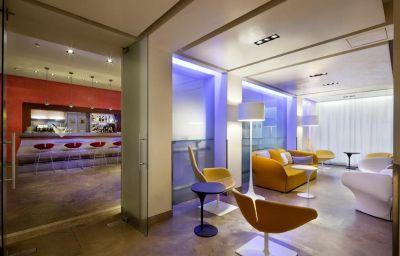 Lobby UNA Hotel Tocq