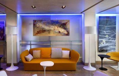Interior del hotel UNA Hotel Tocq