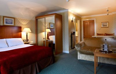 Macdonald_Elmers_Court_Hotel_Resort-Lymington-Double_room_superior-75288.jpg