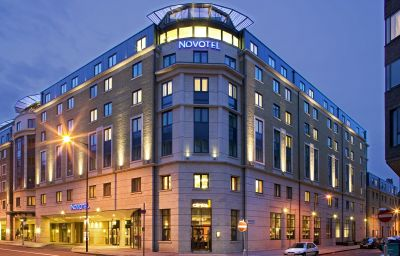 Novotel_London_City_South-London-Hotel_outdoor_area-75348.jpg