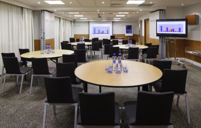 Meeting room Novotel London City South
