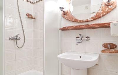 Ikar-Poznan-Bathroom-2-75569.jpg