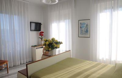 Italie_et_Suisse-Stresa-Double_room_superior-4-76520.jpg
