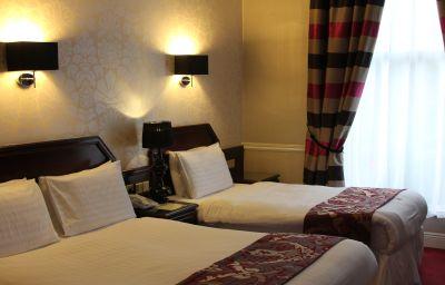 Harcourt-Dublin-Triple_room-3-76910.jpg