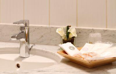 Bathroom Best Western Athenee