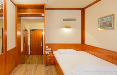 Chambre pour voyageurs d'affaires Vienna Sporthotel