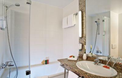 NH_Hamburg_Altona-Hamburg-Bathroom-79469.jpg