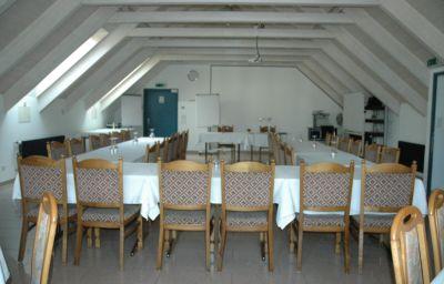 Post-Sargans-Group_room-2-79490.jpg