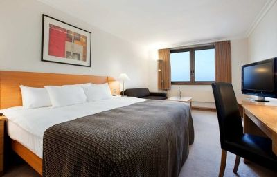 Hilton_Blackpool-Blackpool-Room-18-80956.jpg
