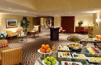 Toronto_Marriott_Bloor_Yorkville_Hotel-Toronto-Room-24-81545.jpg