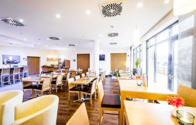 Holiday_Inn_Express_DORTMUND-Dortmund-Restaurant-17-82215.jpg