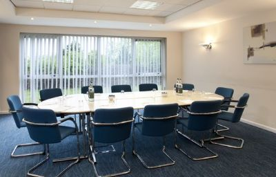 Holiday_Inn_Express_BEDFORD-Bedford-Conference_room-3-83356.jpg