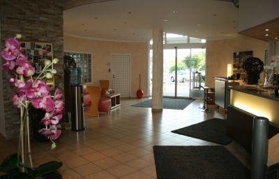 Bavaria-Dingolfing-Hotelhalle-2-84511.jpg