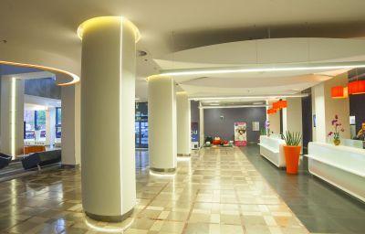 Novotel_Poznan_Centrum-Poznan-Reception-1-85015.jpg