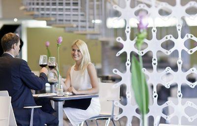 Novotel_Poznan_Centrum-Poznan-Restaurantbreakfast_room-10-85015.jpg