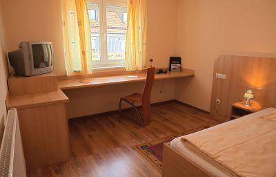 Haus_zum_Gutenberg_Garni-Hallbergmoos-Room-9-85434.jpg
