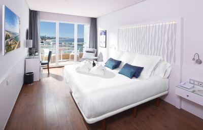 Room Fuerte Miramar