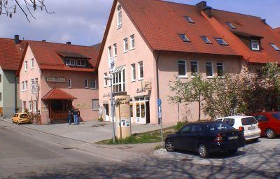 Haller_Hof-Schwaebisch_Hall-Exterior_view-2-85665.jpg