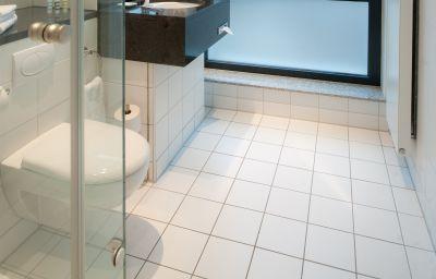 Bathroom Mercure Hotel Aachen am Dom