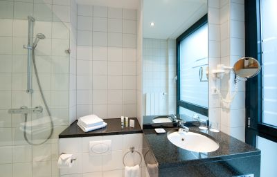 Bathroom Mercure Hotel Aachen am Dom