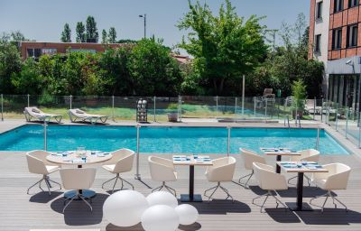 Piscina Holiday Inn TOULOUSE AIRPORT