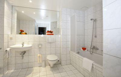 Celler_Tor_by_Centro_Comfort-Braunschweig-Bathroom-4-89131.jpg