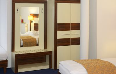 Single room (superior) Celler Tor by Centro Comfort