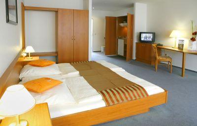 Celler_Tor_by_Centro_Comfort-Braunschweig-Double_room_standard-2-89131.jpg